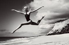 Karlie Kloss by Mario Testino 2012