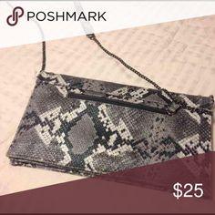 Sam & Libby print purse Great purse Sam & Libby Bags Shoulder Bags