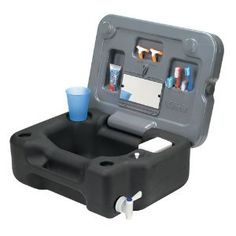 Portable sinks for camping are a must in any campsite. You need a camp sink for washing dishes in your outdoor kitchen as well as your hands. Find the right camping sink for you! Auto Camping, Camping Glamping, Camping Survival, Camping Life, Family Camping, Emergency Preparedness, Camping Hacks, Outdoor Camping, Camping Ideas