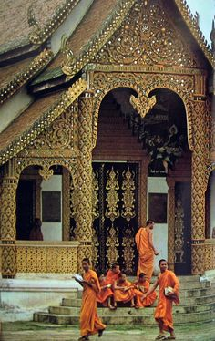 3. The monks in the Buddhist temple wear orange robes to symbolize simplicity, as well as their shaved heads.