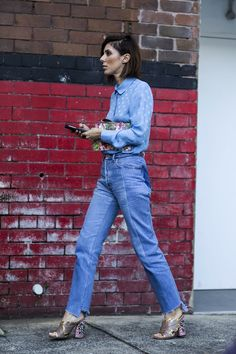 It's impossible to go wrong with a Peter Pan-collared button-up, boyfriend jeans, and those Gucci mules.Gucci bag and shoes. #refinery29 http://www.refinery29.com/2016/05/111596/sydney-fashion-week-resort-2016-street-style-pictures#slide-36