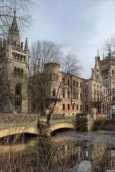 Poland Travel Inspiration - The ruins of the castle in Kopice, Poland. Castle Ruins, Castle House, Medieval Castle, Abandoned Castles, Abandoned Mansions, Abandoned Places, Beautiful Castles, Beautiful Buildings, Beautiful Places