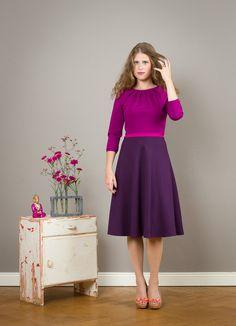 Entdecke lässige und festliche Kleider: 3-farbiges Kleid Luzia mit Tellerrock…