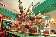 Before I die, I want to. Go to Honeydukes! Been there, and Dylan's Candybar in NYC which is amazing too. Honey Dukes, Las Vegas, Colorful Candy, Before I Die, Summer Bucket Lists, Candy Buffet, Candyland, Stuff To Do, Hogwarts