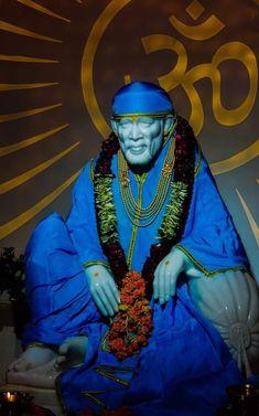Sai Baba Pictures, Sai Baba Photos, Good Morning Animation, Baba Image, Good Morning Coffee, Om Sai Ram, Indian Designer Outfits, Indian Gods, Ganesha