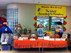 Sunny Days in Second Grade: More Storybook Pumpkins! Characters out of craft pumpkins Storybook Characters, Story Characters, No Carve Pumpkin Decorating, Pumpkin Carving, Character Pumpkins, Pumpkin Books, Pumpkin Contest, Family Night, Teaching Tools