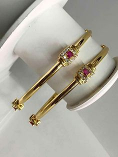 Are these bangles or hoop earrings? Gold Bangles Design, Gold Earrings Designs, Gold Diamond Earrings, Diamond Rings, Diamond Bangle, Designer Bangles, Gold Designs, Gold Choker, Diamond Jewellery