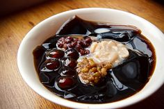 Grass jelly with tapioca red bean balls
