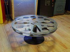 Mesa de centro hecha con rollo bobina porta películas de antiguo proyector de #cine #retro #vintage