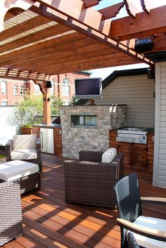 Roof Deck Retreat by Chicago Roof Deck and Garden, via Flickr