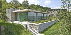 Schwere, Leichtigkeit und Natur: Wohnhaus Bacharach-DETAIL.de