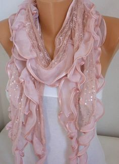 Pink scarf with lace! Cowl Scarf, Lace Scarf, Ruffle Scarf, Couleur Rose Pastel, Everything Pink, Mode Style, Dusty Pink, Scarf Styles, Womens Scarves