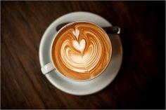 Un café américain égal un jus de chaussette ? Que nenni, à New York, ville avant-gardiste par excellence, les bars à café tenus par des puristes fleurissent à chaque coin de rue.
