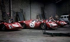 ― Michael Fisher( 「The Ferrari garage the night before the Le Mans 24 hours with the NART entered ch no 24 Hours Le Mans, Le Mans 24, Ferrari Racing, Ferrari Car, Sports Car Racing, Sport Cars, Auto Racing, Real Racing, Nascar