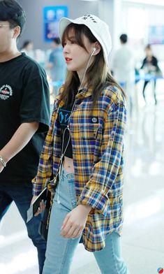 """girls dont want boys, girls want Son Seungwan (Wendy); a thread"" Korean Fashion Kpop, Kpop Fashion Outfits, Teen Fashion, Seulgi, Baby Buns, Wendy's Lookbook, Red Velvet Dress, Wendy Red Velvet, Velvet Fashion"