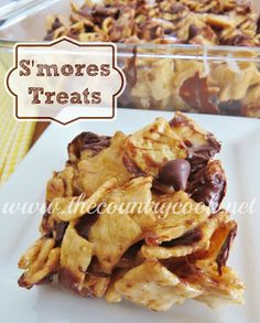 Gooey S'mores Treats recipe from The Country Cook. Just like a Rice Krispies treat but with Cinnamon Toast Crunch cereal! Southern, Country, Cooking, Easy, No Bake Sweet Recipes, Snack Recipes, Dessert Recipes, Cooking Recipes, Bar Recipes, Yummy Recipes, No Cook Desserts, Delicious Desserts, Yummy Food