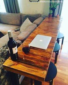 This long wooden pallet bar table is the creation of pure wood pallet. Never under estimate the potential of these apparently useless looking shipping pallets. It's you who can make the wonders happen with these wood pallets.