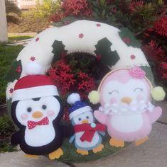 Guirlanda enfeite de Natal para porta. Feita em feltro e toda costurada a mão. R$ 159,90