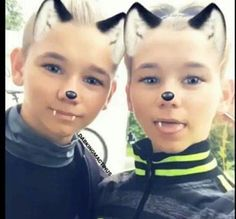 Cute little boys Twin Boys, Twin Brothers, Marcus Y Martinus, Love Of My Life, My Love, Cute Twins, Love U Forever, Cute Little Boys, Snapchat Filters