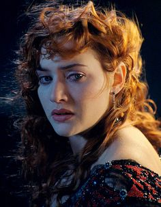 Movie curly: Rose DeWitt-Bukater (Kate Winslet) in Titanic. Curly and red is the hair jackpot imho. Titanic Kate Winslet, Jack Dawson, James Cameron, Hollywood Actresses, Actors & Actresses, Hollywood Life, Titanic Rose, Kate Winslate, Leo And Kate