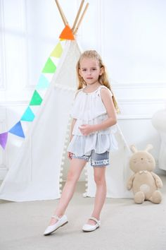 a6baa3267aa Girl clothing set Chiffon top   pearl flower jean shorts