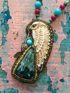 Een persoonlijke favoriet uit mijn Etsy shop https://www.etsy.com/nl/listing/465726310/egypt-horus-hawk-necklace