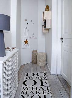 Déco entrée maison peinture blanche et lin | Salons, Condos and Lofts