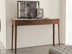 Get inspired with this modern console table ! Discover more: modernconsoletables.net   #consoletable #modernconsoletable #contemporaryconsoletable