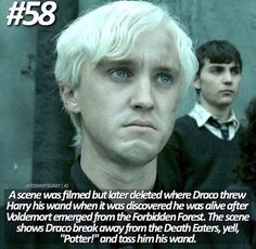 Sure wished they had kept this. His face thou in this scene proved that he was no longer on no nose guys side // I was so sad when I had found out this scene existed and that hadn't used it 🥺💔😭 I loved that scene! Draco Harry Potter, Harry Potter Feels, Harry Potter Ships, Harry Potter Characters, Harry Potter Universal, Harry Potter World, Harry Potter Deleted Scenes, Draco Malfoy Memes, Harry Potter Cosplay