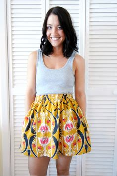 Sewing 101 two ways to add pockets to a skirt . sewing 101 - Shrimp Salad Circus - Learn two ways to add pockets to a skirt. This tutorial is perfect even if you're a very beginner at sewing! Thrift Store Outfits, Thrift Store Refashion, Clothes Refashion, Diy Clothing, Sewing Clothes, Sewing Coat, Sewing Pockets, Sewing Tutorials, Sewing Projects