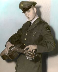 8x10_Elvis Presley Uniform.jpg (441×551)