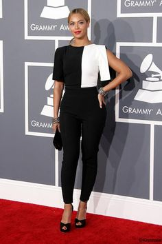 I looooved this monochrome outfit! #Beyonce