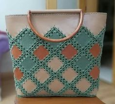 Antik - Her Crochet Crochet Tote, Crochet Shoes, Crochet Purses, Handmade Handbags, Leather Bags Handmade, Leather Craft, Beaded Purses, Beaded Bags, Homemade Bags