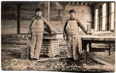 R.P. POSTCARD JOINERS IN WORKSHOP-NADOLIG LLAWEN A BLURYDDYN NEWYDD DDA-WALES in Collectables, Postcards, Social History | eBay