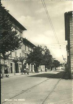Via Trento - Brescia 1952 Immagine inviata da Mariangela Scotti http://www.bresciavintage.it/brescia-antica/cartoline/via-trento-brescia-1952/