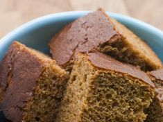 This page contains molasses bread recipes. The distinctive flavor of molasses is a welcome addition to your bread and quick bread recipes. How To Make Gingerbread, Gingerbread Cake, Gingerbread Recipes, Gingerbread Houses, Easy Meatloaf, Meatloaf Recipes, Food Cakes, Cupcake Cakes, Cake Recipes