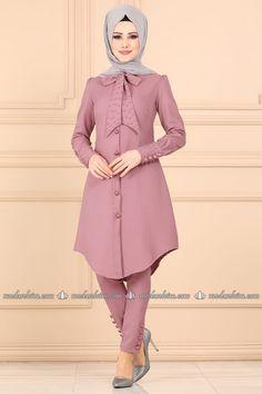 Combine, Dress Combines, Hijab Kombine Prices Page 4 Stylish Dresses For Girls, Stylish Dress Designs, Designs For Dresses, Iranian Women Fashion, Islamic Fashion, Muslim Fashion, Long Dress Fashion, Modest Fashion Hijab, Fashion Outfits