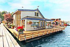 Casa flutuante em Seattle, estado de Washington, USA. Fotografia: Rick Miner, Coldwell Banker Danforth.