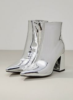 Alloy Boots - Silver [Follow us: @Peppermayo for more cuteness and daily fashion inspo.]