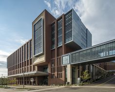 Gallery of The Christ Hospital Joint and Spine Center / SOM - 6