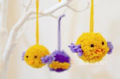 (For those Yarn/ Wool Leftovers... ) We love pom pom crafts... check out these cute little pom pom birds. Or put them in a little nest as pom pom chicks! Yarn Crafts For Kids, Easy Yarn Crafts, Pom Pom Crafts, Easter Crafts For Kids, Fun Crafts, Easter Ideas, Holiday Crafts, Spring Crafts, Art For Kids
