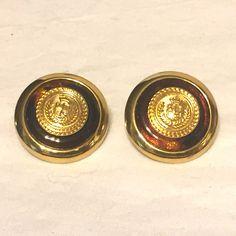 Vintage Liz Claiborne Pierced Faux Tortoise Crest Shield Earrings 80s Jewelry, Antique Jewelry, Jewelry Watches, Jewelry Accessories, Shell Earrings, Tortoise Shell, Liz Claiborne, Shells, Vintage Items