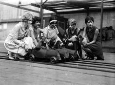 Обезьяньи гонки в парке развлечений Пикеринг Пиэр, г. Санта-Моника, Калифорния, 1920-е.
