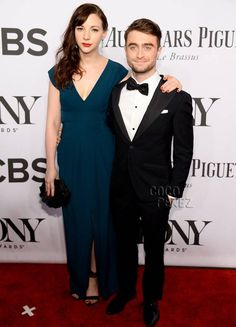 Daniel Radcliffe & Erin Darke Confirm Their Romance With A Red Carpet Walk At The 2014 Tony Awards!