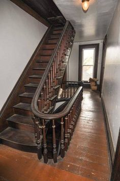 New Home interior Design - - - Richmond Indiana, New Richmond, Old Houses For Sale, Old Farm Houses, Victorian Interiors, Victorian Homes, Vintage Interiors, Home Interior, Interior Architecture