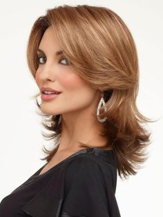 Find Rylee Wig (Mono Top) by Envy Wigs. Rylee offers contemporary styling in a fashion layered cut. Medium Length Wavy Hair, Mid Length Hair, Square Face Hairstyles, Easy Hairstyles, Casual Hairstyles, Choppy Hairstyles, Woman Hairstyles, Layered Hairstyles, Short Haircuts