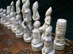 African Chess Set - a beautiful set in an african theme - why do the women have to be the pawns??