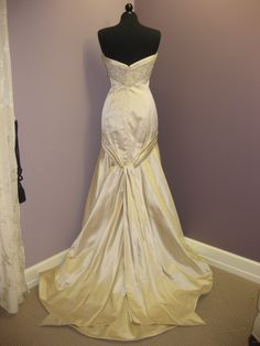 Jim Hjelm Bridal Gown style 8753 size 12 antique, $1500