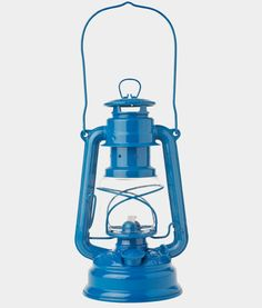 An entertaining essential for post-sunset affairs: here are our top five oil lanterns for the stylish camper. Above: Toast's Storm Lantern is made in Germa