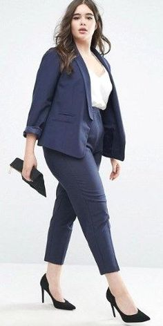 Searching for a couple of pieces to revive your plus size office outfits? 20 must have wear to work plus size outfits that will help you at work! Business Professional Outfits, Business Casual Outfits, Office Outfits, Casual Attire, Plus Size Business Attire, Office Wear, Casual Wear, Formal Wear, Plus Size Professional